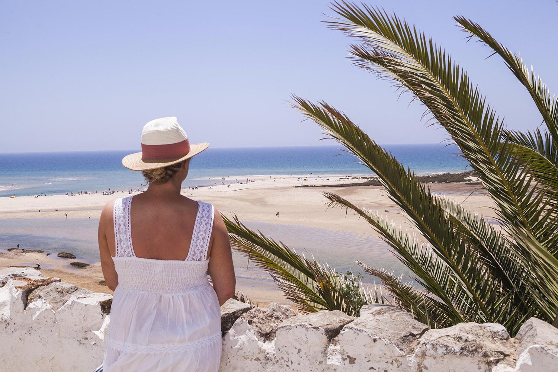 Ein Tag am Meer, Familien Strandleben, Cabanas de Tavira, Aldeamento Turistico ddad Pedras da Rainha, Tavira, Algarve, Portugal, Europe